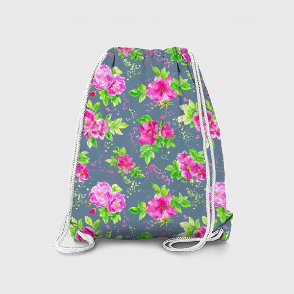 Рюкзак «Неоновый розовый шиповник на сером фоне»