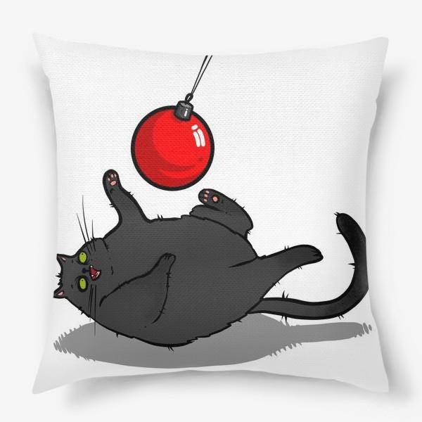 Подушка «Чёрный кот играет с новогодним шариком »