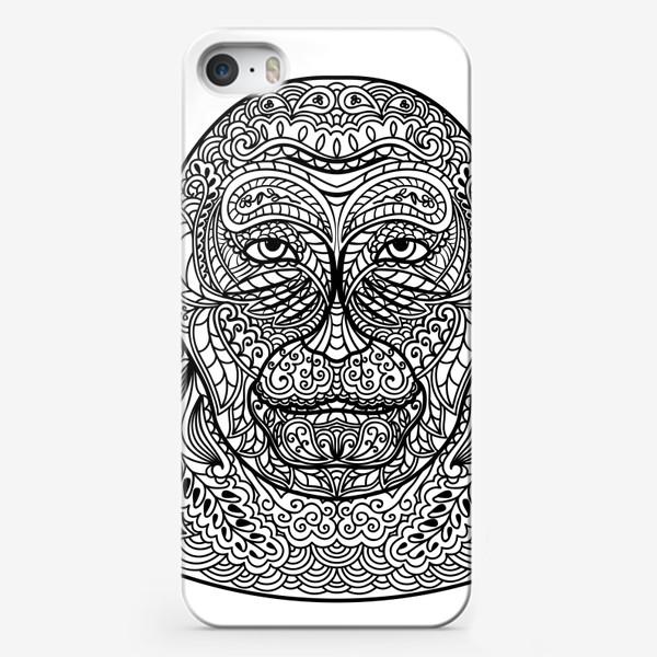 Чехол iPhone «Узорчатая голова обезьяны. Рисунок мартышки с этническим орнаментом. Узор в стиле  дудлинг на морде животного»