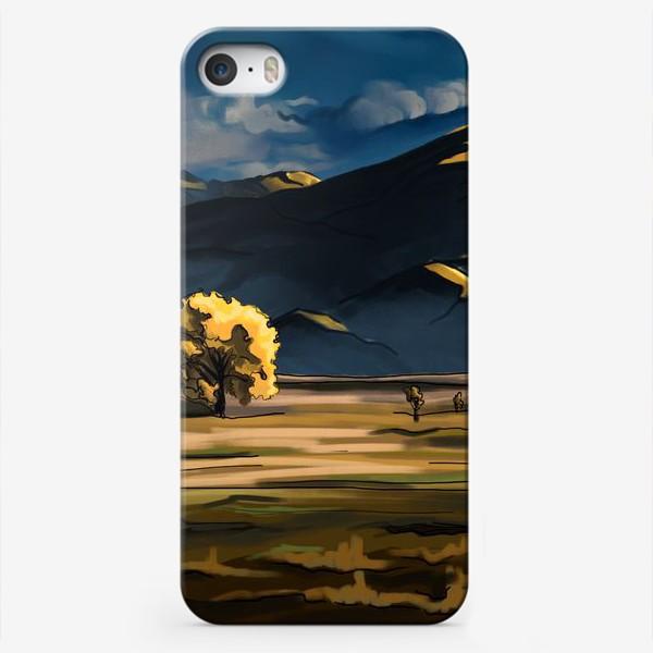 Чехол iPhone «Пейзаж с полем деревьями, горами и облаками»