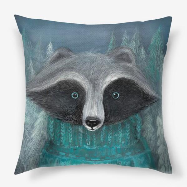 Подушка «Енот в лесу»