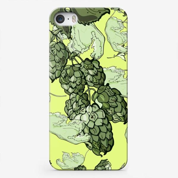 Чехол iPhone «Паттерн из  соцветий и листьев хмеля на трендовом желтом»