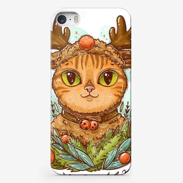 Чехол iPhone «Новогодний котик в шапке оленя. С бубенчиками на шее. Be happy»
