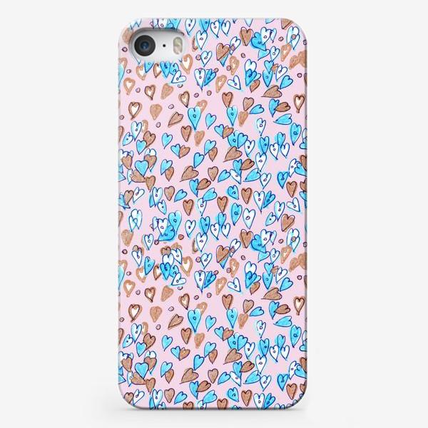 Чехол iPhone «Паттерн с сердечками»
