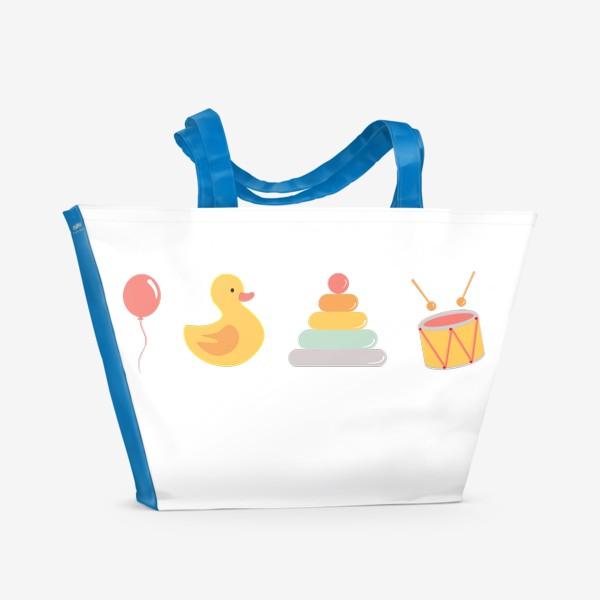 Пляжная сумка «Детские игрушки: уточка, барабан, пирамида, воздушный шар»