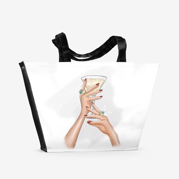 Пляжная сумка «Руки девушки с коктейлем»