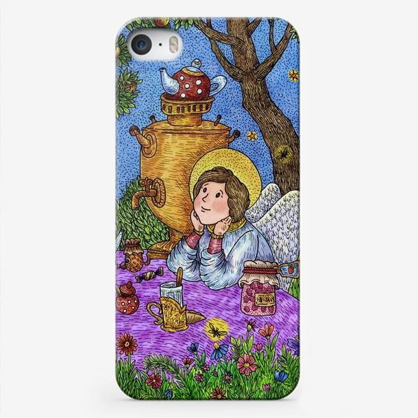 Чехол iPhone «Уютное чаепитие в саду. Добрый ангел и кот.»