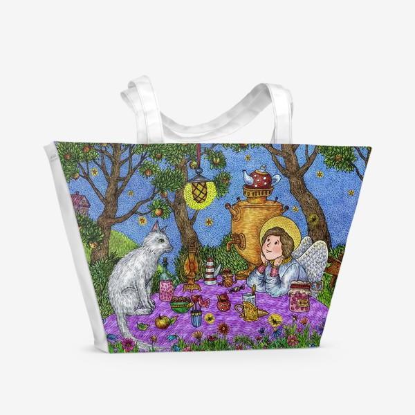 Пляжная сумка «Уютное чаепитие в саду. Добрый ангел и кот.»