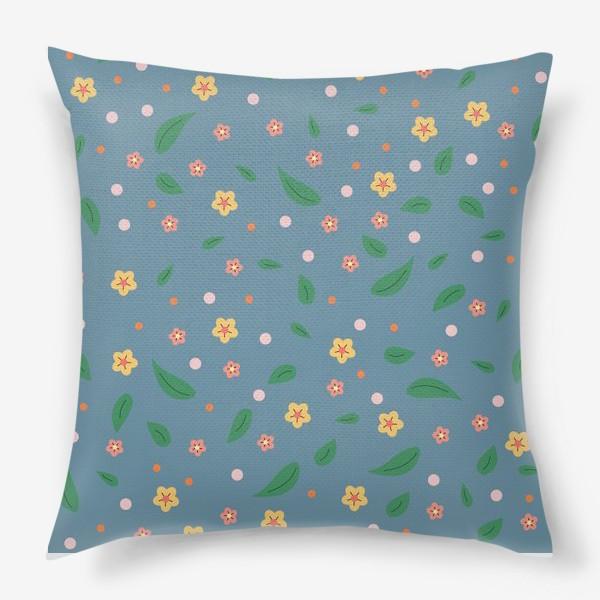Подушка «мелкие цветочки»