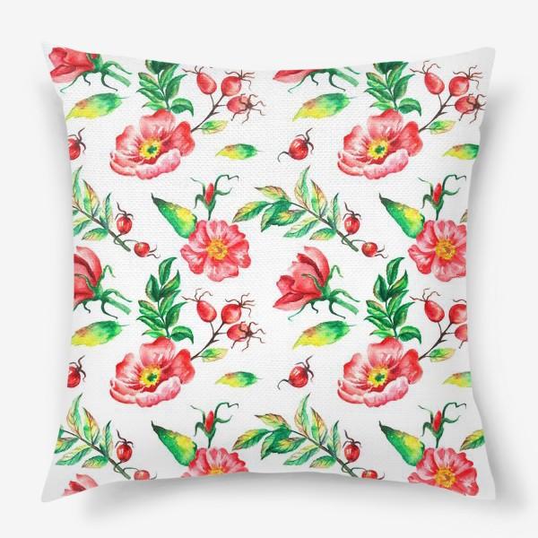 Подушка «Акварельные цветы и ягод и шиповника»