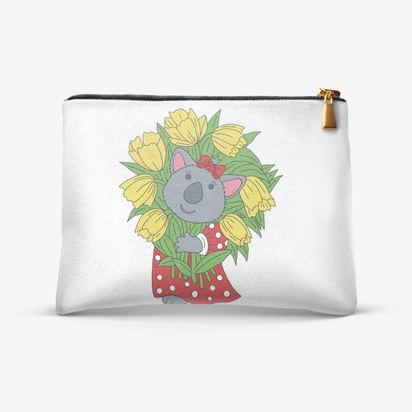 Косметичка «Милая коала с букетом тюльпанов»