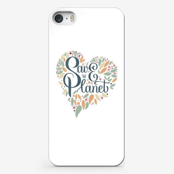 """Чехол iPhone «Надпись в форме сердца """"SAVE THE PLANET"""" на белом фоне. Экология, забота о природе.»"""