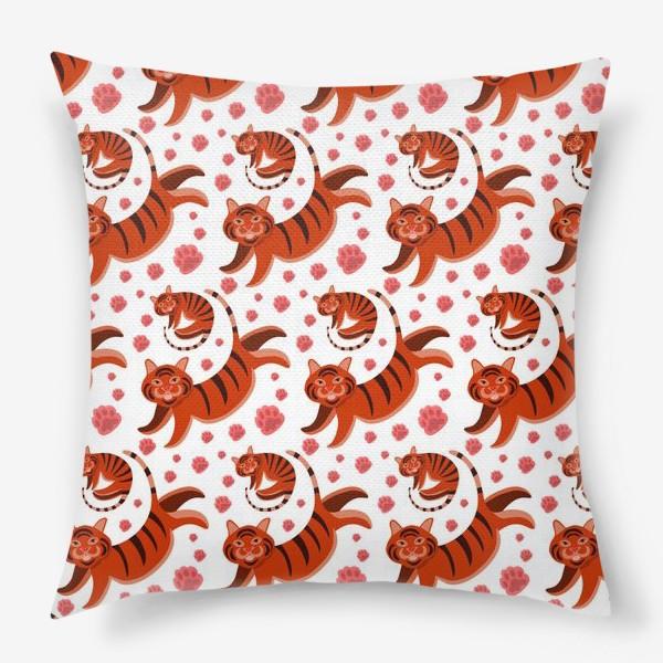 Подушка «Паттерн тигры и лапки. Вектор. Цвет. Животные. Диджитал. Арт. Год Тигра 2022.»