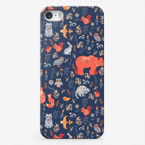Чехол iPhone «Лесные животные, растения на синем фоне. FolkArt.»