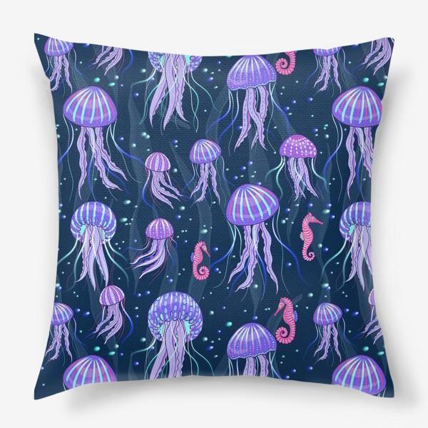 Подушка «Медузы на морской глубине. »