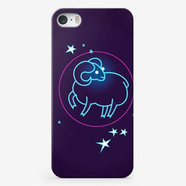 Чехол iPhone «Знак Зодиака Овен. Светящийся голубой контур барашка в круге со звездами.»