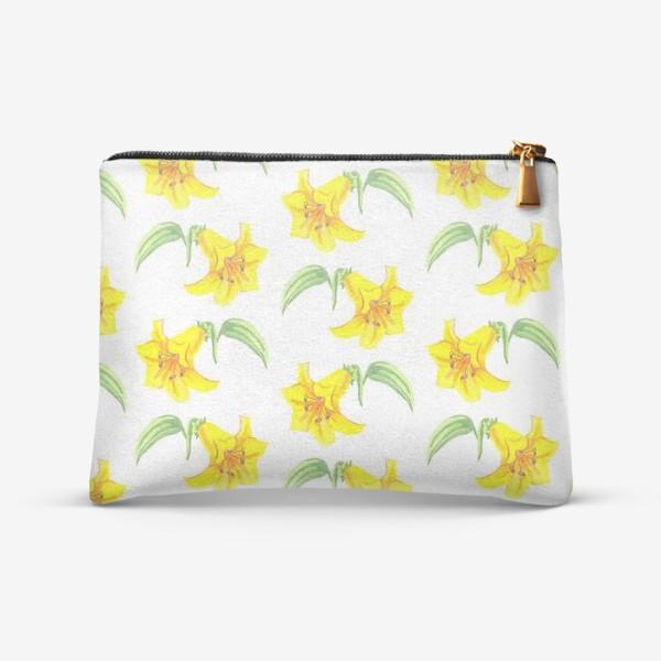 Косметичка «паттерн желтые лилии акварель цветы»