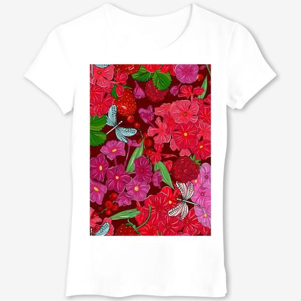 Футболка «красные цветы, ягоды и стрекоза»