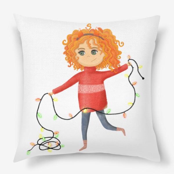 Подушка «Девочка с гирляндой»