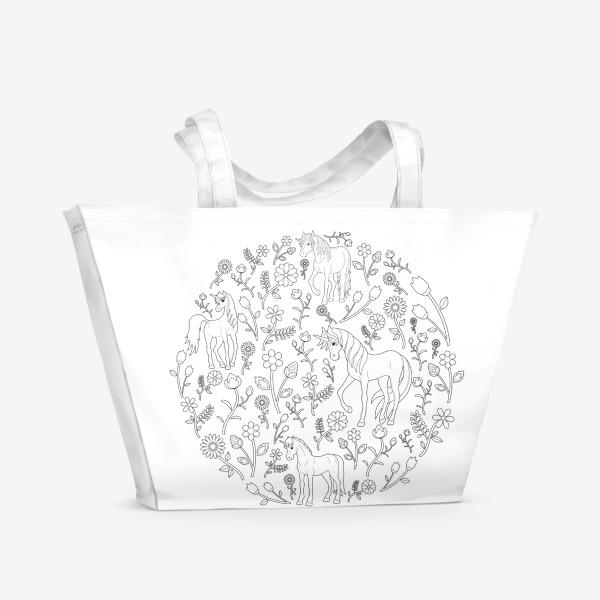 Пляжная сумка «Круговой узор с цветами и единорогами»