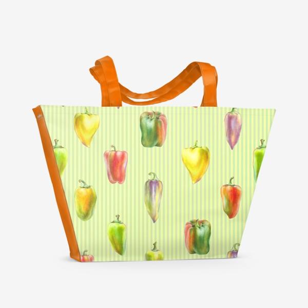 Пляжная сумка «Разноцветные перцы на полосатом фоне»