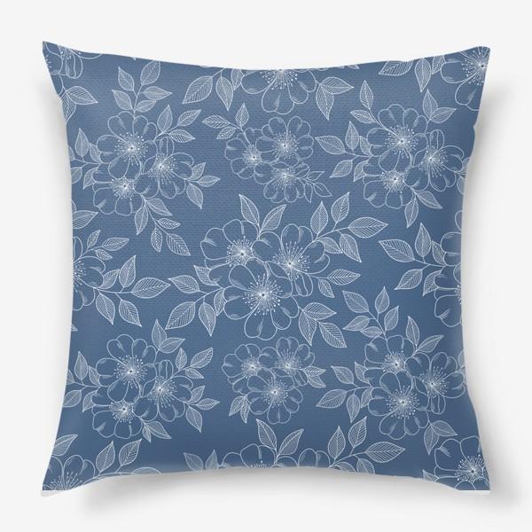 Подушка «Цветущая яблоня на синем»
