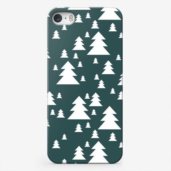 Чехол iPhone «Зимний хвойный лес»
