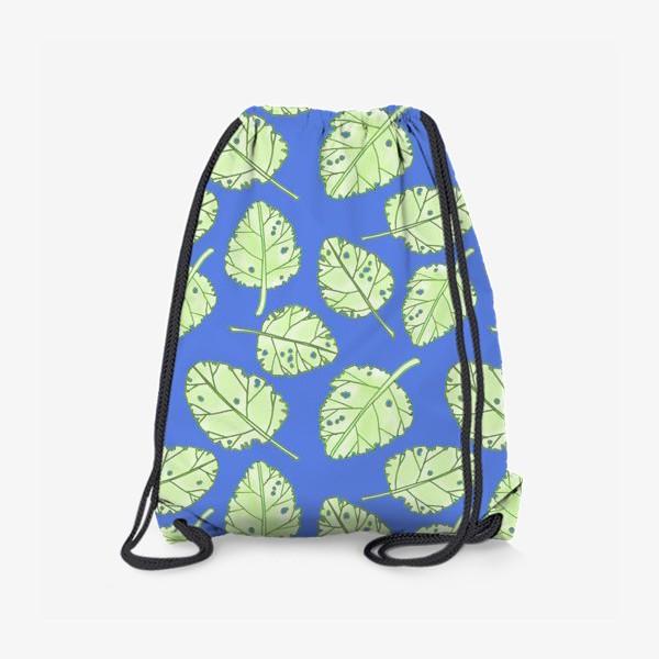 Рюкзак «Зеленые листики на синем фоне»
