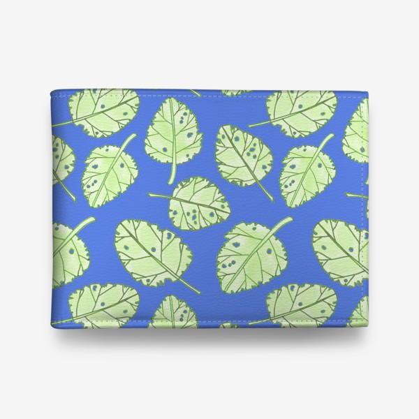 Кошелек «Зеленые листики на синем фоне»