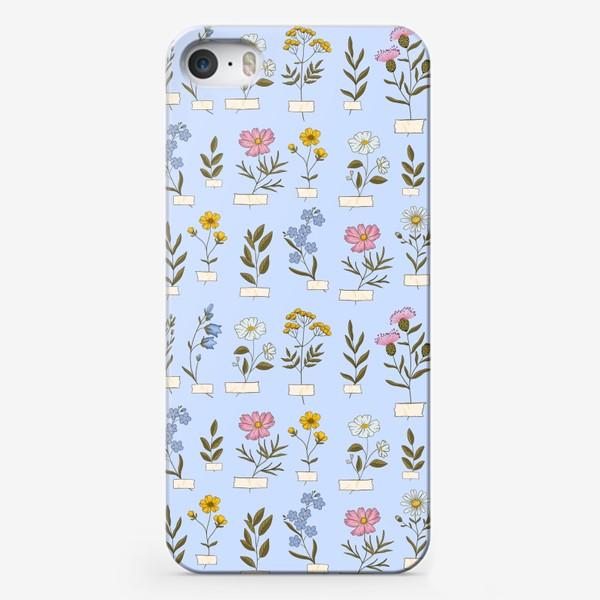 Чехол iPhone «Полевые цветы на голубом»