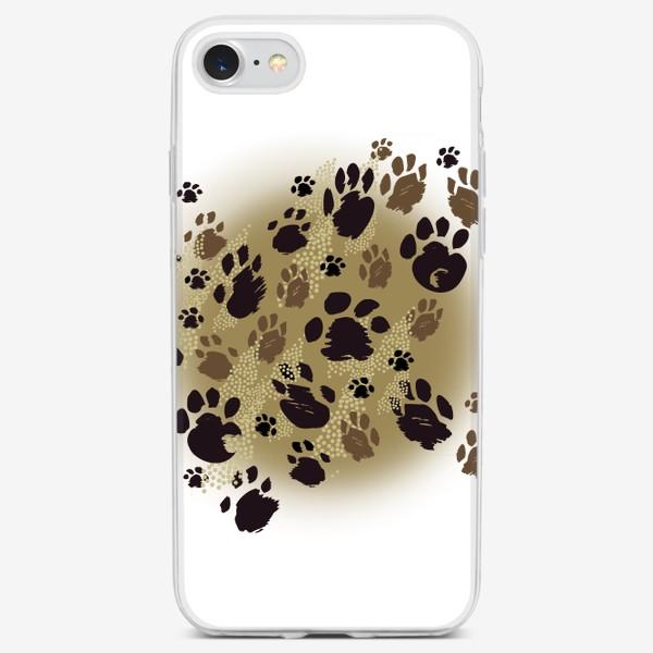 Чехол iPhone «Лапки на бежевом»