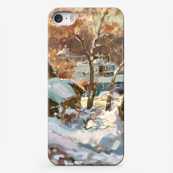 Чехол iPhone «Зима не отступает»