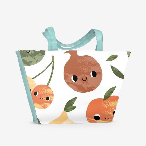 Пляжная сумка «Яблоко, груша, лимон, гранат, слива, вишня. Фруктовый паттерн»