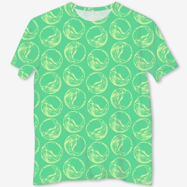 Футболка с полной запечаткой «Теннисные мячи на зеленом фоне»