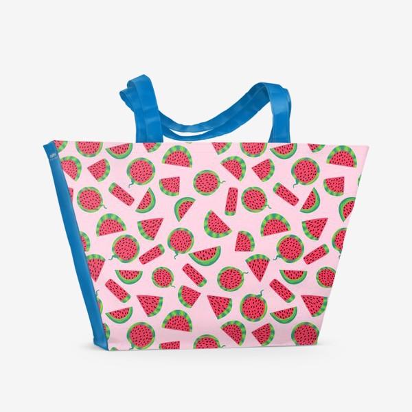 Пляжная сумка «Сочные ломтика арбуза на розовом легкий летний паттерн»