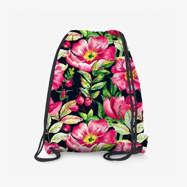 Рюкзак «Розовый шиповник и ягоды  на черном»