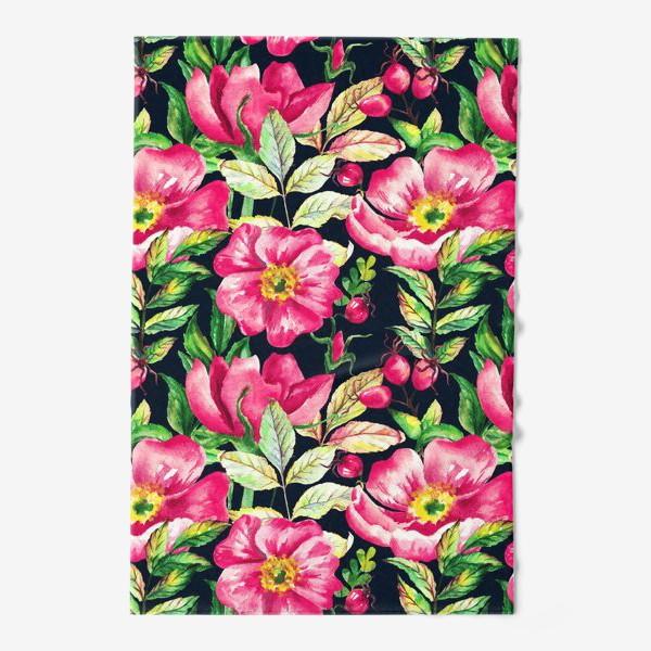 Полотенце «Розовый шиповник и ягоды  на черном»