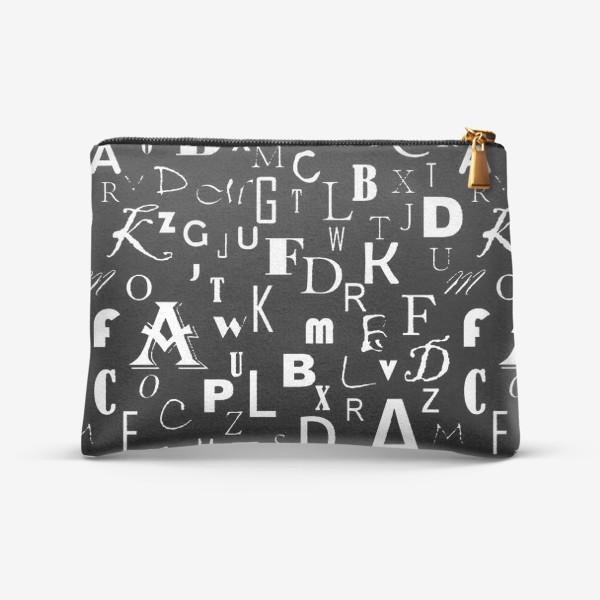 Косметичка «Буквы на черном»