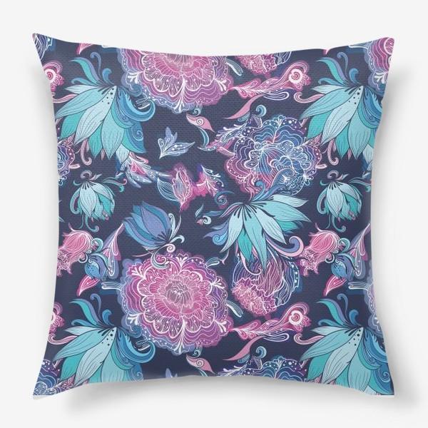 Подушка «Волшебный сад с лилиями и пионами на синем фоне»