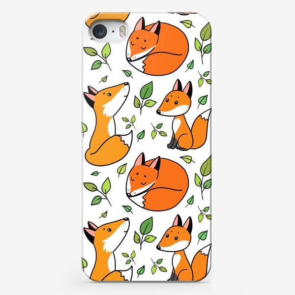Чехол iPhone «Лисички и листочки»