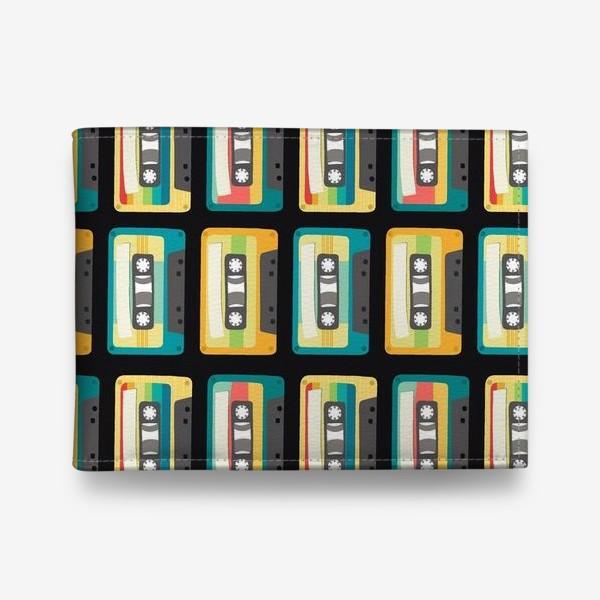 Кошелек «Ретро кассеты на черном фоне»