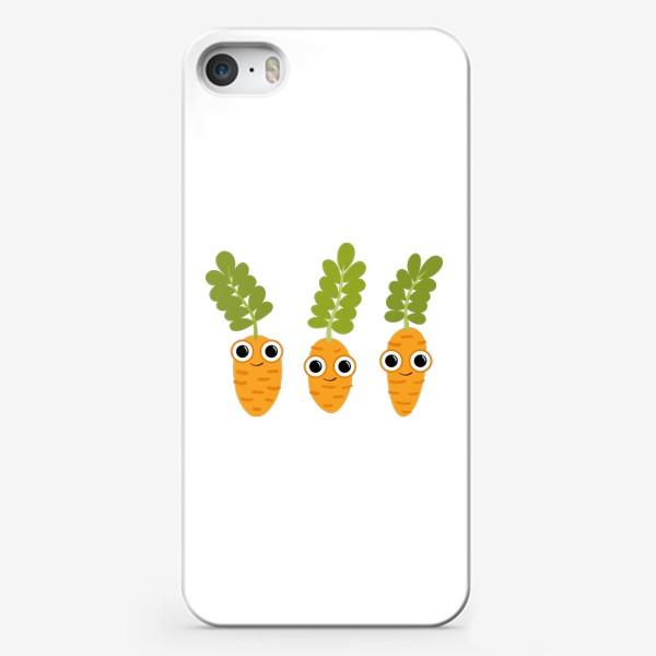 Чехол iPhone «Веселая морковка. Летние персонажи»