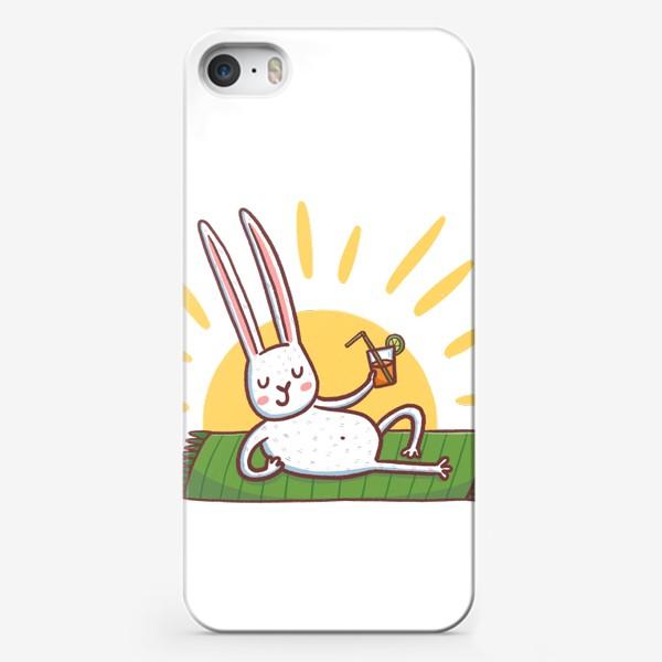 Чехол iPhone «Зайчик на пляже. Отдых»