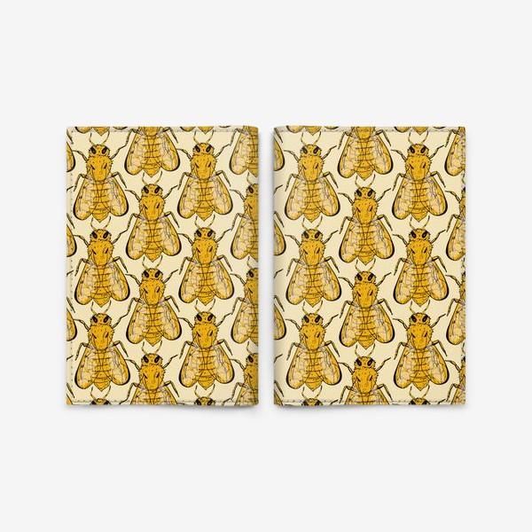 Обложка для паспорта «Золотые пчелы на бледно-желтом»