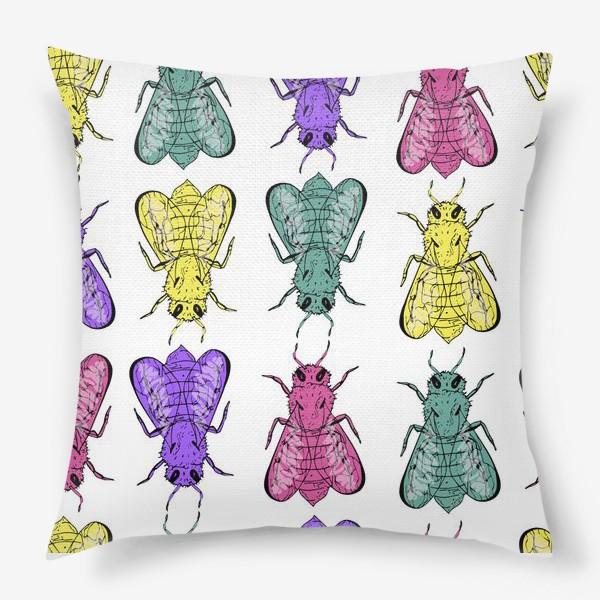Подушка «Паттерн из пчел в стиле поп-арт»