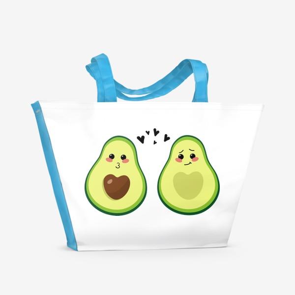 Пляжная сумка «Милая пара, авокадо эмодзи (смайлики) и сердечки, поцелуй и смущение»