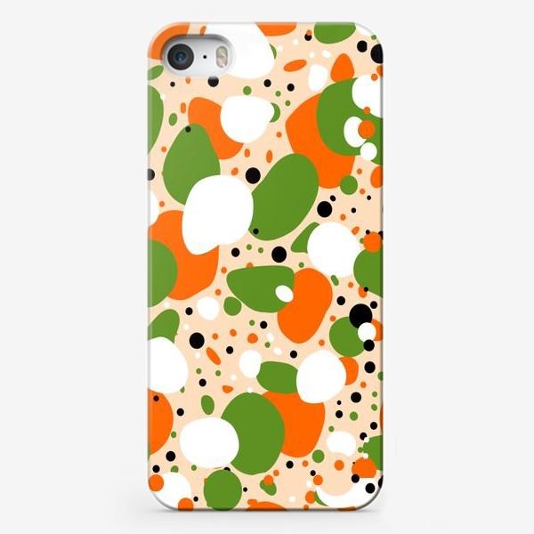 Чехол iPhone «Веселый принт из оранжевых, зеленых и белых пятен»