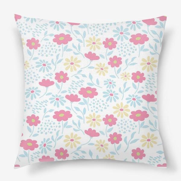 Подушка «Нежный узор с цветочками»