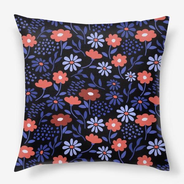 Подушка «Яркие абстрактные цветочки на черном.»