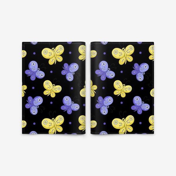 Обложка для паспорта «Желтые и фиолетовые бабочки на черном»
